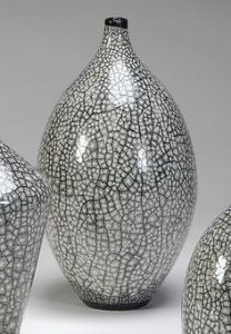 Egg shell inlaid ceramics